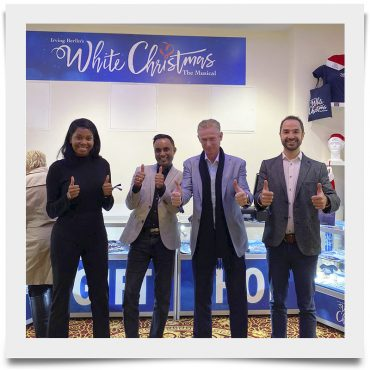 White Christmas Opens on West End